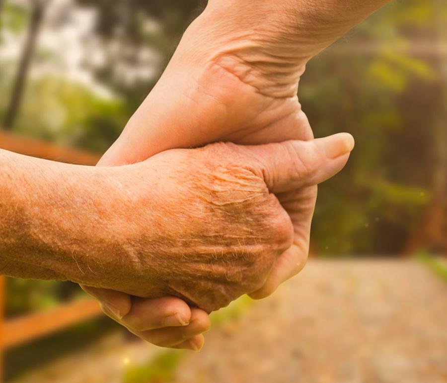 On ne peut pas s'empêcher de vieillir mais on peut s'empêcher de devenir vieux
